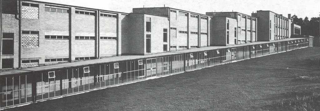 Borra10_Bernau school exterior
